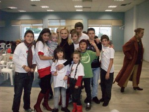 ΧΡΙΣΤΟΥΓΕΝΝΙΑΤΙΚΗ ΓΙΟΡΤΗ «ΑΡΤΟΣ & ΔΡΑΣΗ» 2010 Κάποια από τα παιδιά της Χορωδίας